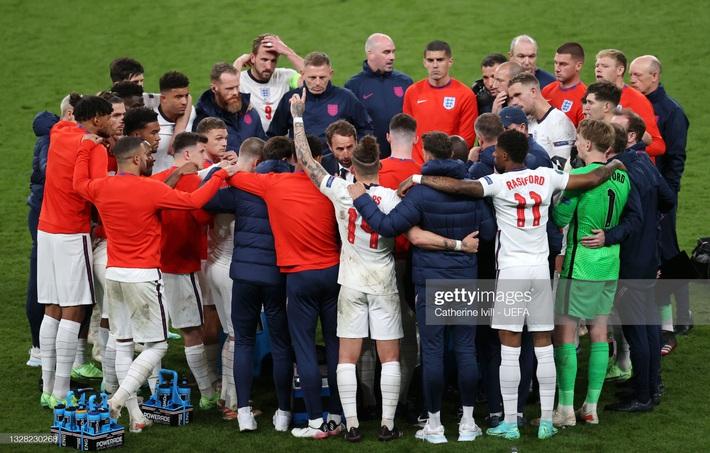 Ảnh: Đội tuyển Italia ăn mừng chức vô địch Euro 2020 trong nỗi đau khôn cùng của người Anh - Ảnh 17.
