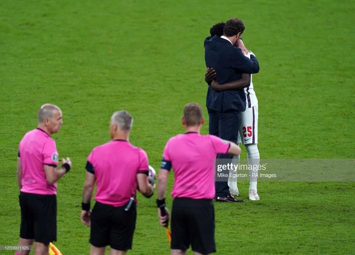 Ảnh: Đội tuyển Italia ăn mừng chức vô địch Euro 2020 trong nỗi đau khôn cùng của người Anh - Ảnh 18.