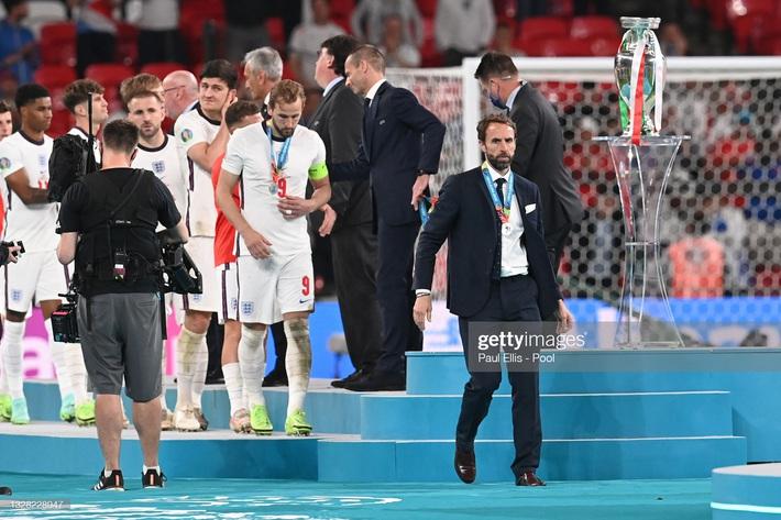 Ảnh: Đội tuyển Italia ăn mừng chức vô địch Euro 2020 trong nỗi đau khôn cùng của người Anh - Ảnh 19.