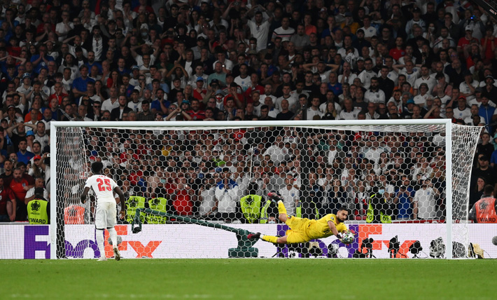 Jose Mourinho nghi ngờ trụ cột ĐT Anh trốn tránh đá 11m - Ảnh 1.