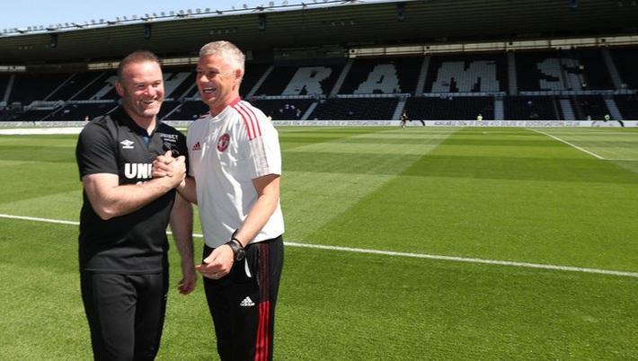 Sao trẻ tóc xù tỏa sáng, MU hạ gục đội bóng của Wayne Rooney - Ảnh 10.