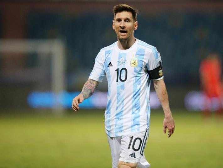 Cuộc đua Vua phá lưới Copa America 2021: Messi cô đơn trên đỉnh - Ảnh 1.