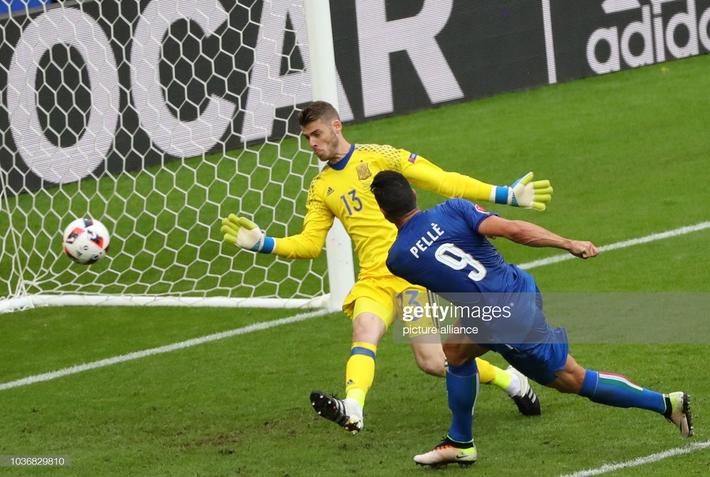 Lịch sử đối đầu Italia vs Tây Ban Nha: Những khúc ngoặt không tưởng và 2 kẻ làm nền vĩ đại - Ảnh 4.