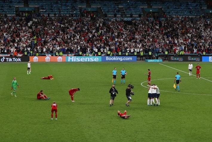 Người hùng Đan Mạch rơi nước mắt tiếc nuối khi để tuột tấm vé chung kết Euro 2020 - Ảnh 2.