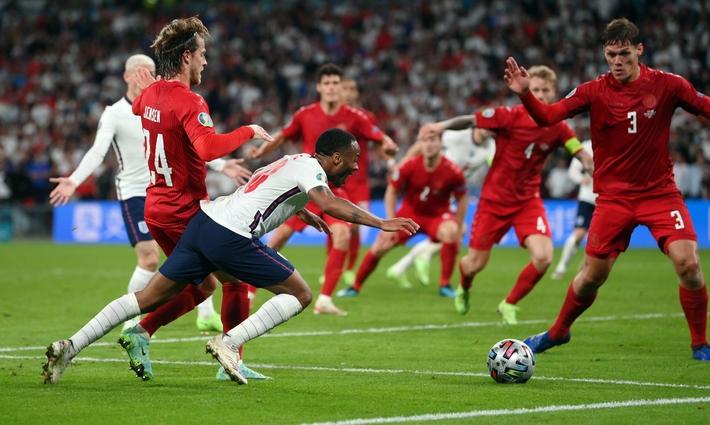 Sân Wembley mở hội, ĐT Anh ăn mừng cuồng nhiệt khi vào chung kết EURO 2021 - Ảnh 11.
