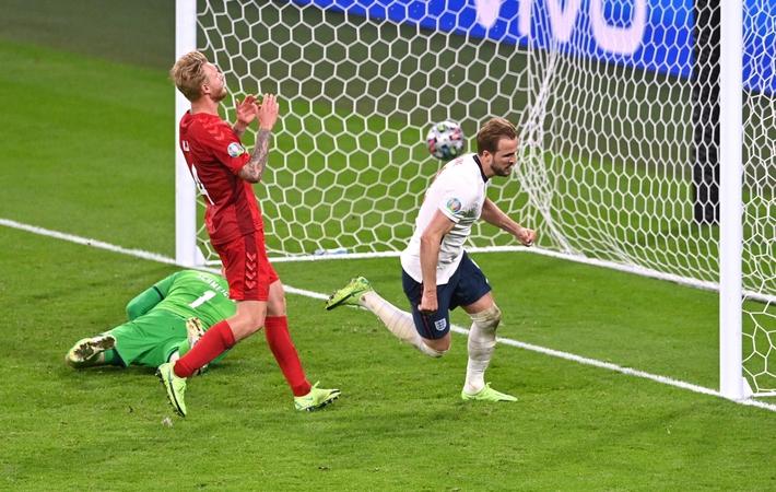Sân Wembley mở hội, ĐT Anh ăn mừng cuồng nhiệt khi vào chung kết EURO 2021 - Ảnh 12.