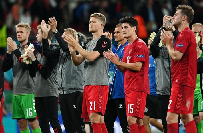 Sân Wembley mở hội, ĐT Anh ăn mừng cuồng nhiệt khi vào chung kết EURO 2021 - Ảnh 8.