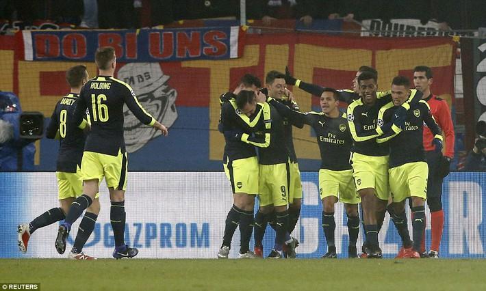 Thắng hủy diệt, Arsenal bất ngờ đối mặt viễn cảnh hãi hùng - Ảnh 3.