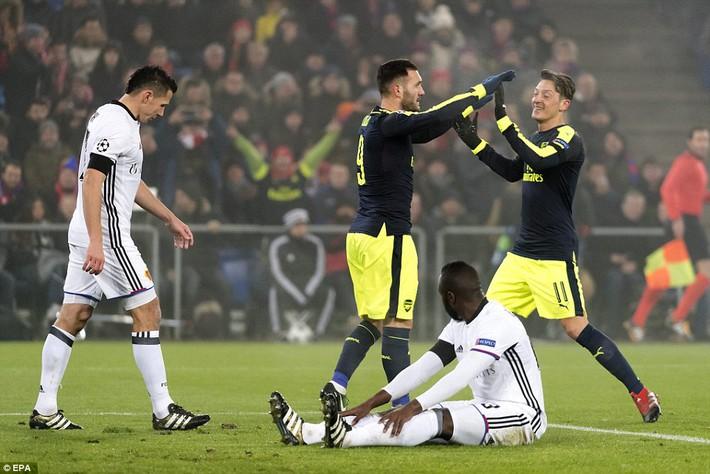 Thắng hủy diệt, Arsenal bất ngờ đối mặt viễn cảnh hãi hùng - Ảnh 4.