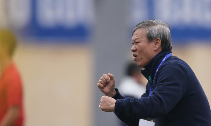 Tú Linh đối đầu HLV Lê Thụy Hải vì derby Manchester - Ảnh 1.