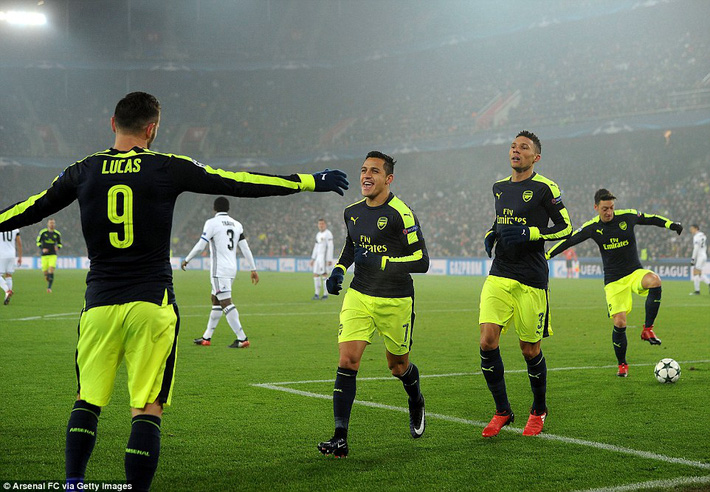 Thắng hủy diệt, Arsenal bất ngờ đối mặt viễn cảnh hãi hùng - Ảnh 6.