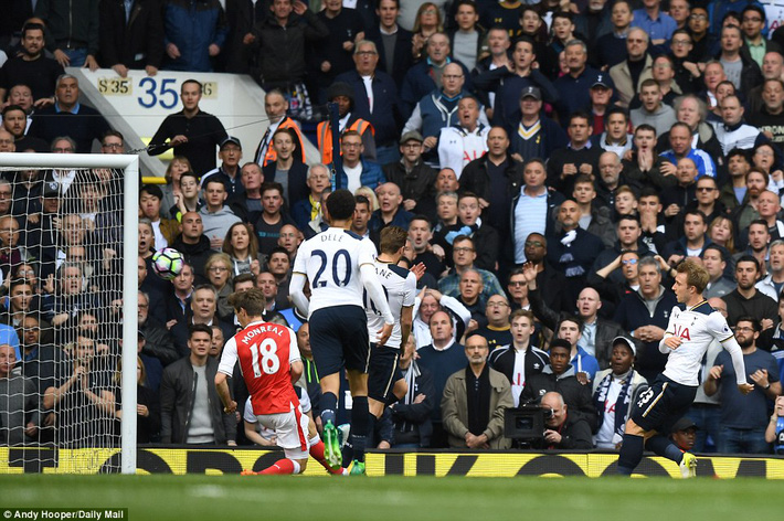 Trút niềm căm hận trăm năm, Tottenham ép Arsenal cúi gục đầu trên White Hart Lane - Ảnh 12.