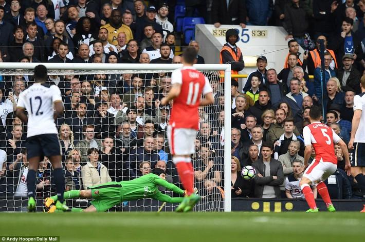 Trút niềm căm hận trăm năm, Tottenham ép Arsenal cúi gục đầu trên White Hart Lane - Ảnh 14.