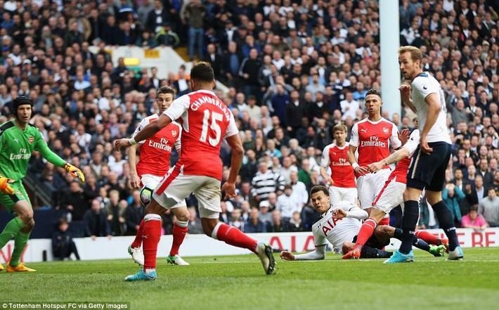 Trút niềm căm hận trăm năm, Tottenham ép Arsenal cúi gục đầu trên White Hart Lane - Ảnh 22.