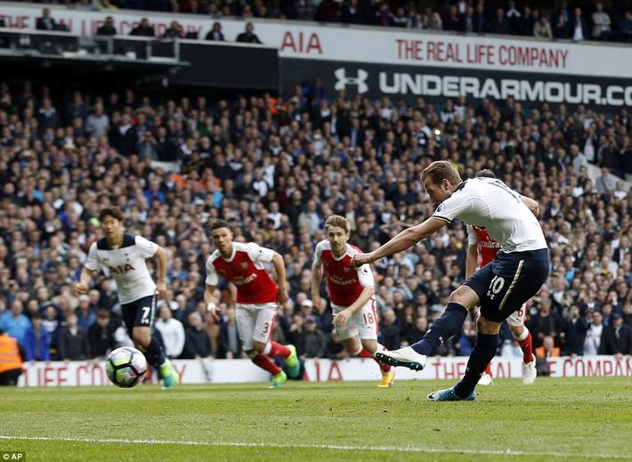 Trút niềm căm hận trăm năm, Tottenham ép Arsenal cúi gục đầu trên White Hart Lane - Ảnh 23.