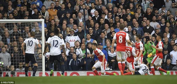Trút niềm căm hận trăm năm, Tottenham ép Arsenal cúi gục đầu trên White Hart Lane - Ảnh 25.