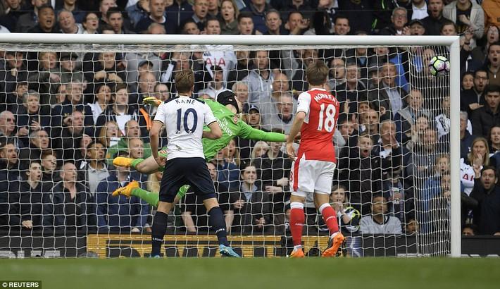 Trút niềm căm hận trăm năm, Tottenham ép Arsenal cúi gục đầu trên White Hart Lane - Ảnh 26.