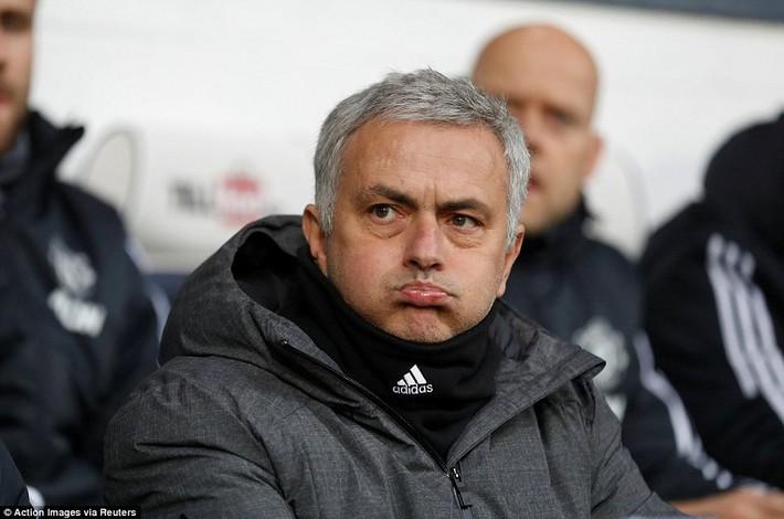 Bắt chước Man City không thành, Man United lại thắng thót tim kiểu Mourinho - Ảnh 4.