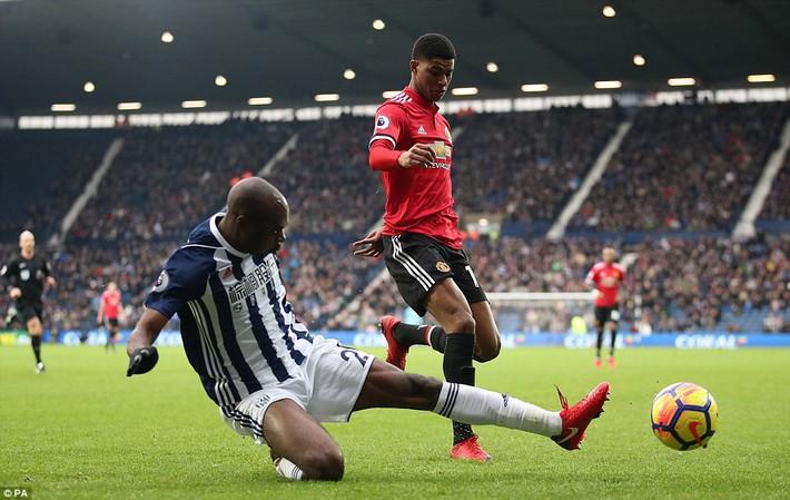 Bắt chước Man City không thành, Man United lại thắng thót tim kiểu Mourinho - Ảnh 12.