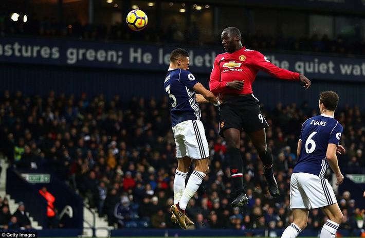 Bắt chước Man City không thành, Man United lại thắng thót tim kiểu Mourinho - Ảnh 15.