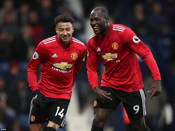 Bắt chước Man City không thành, Man United lại thắng thót tim kiểu Mourinho - Ảnh 18.