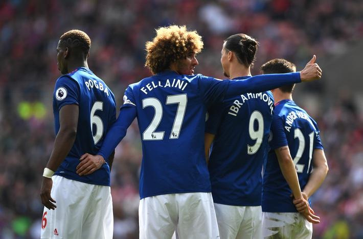 Fellaini không xứng đáng làm thủ quân Man United, thì còn ai xứng đáng? - Ảnh 1.