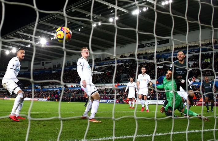 Vô địch Premier League là chuyện nhỏ, Pep còn tính phủ xanh cả nước Anh cơ! - Ảnh 2.