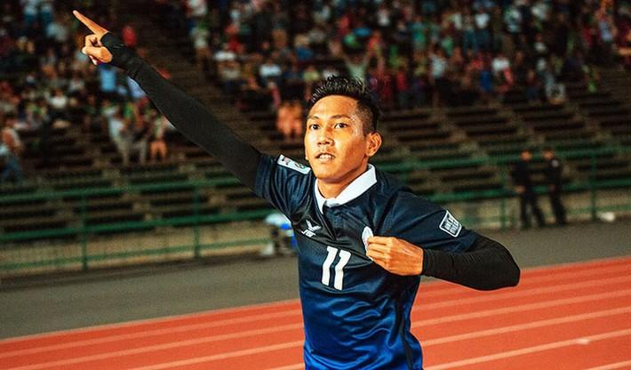 Từ chuyện Messi Campuchia nghĩ về cầu thủ Việt - Ảnh 2.