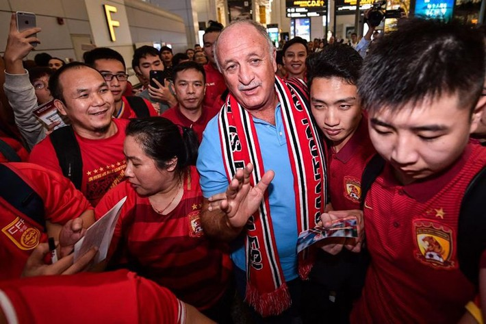 Cựu HLV Chelsea rời Trung Quốc như người hùng - Ảnh 4.