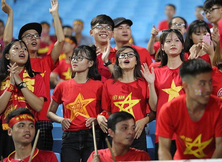 Fan nữ cổ vũ Công Phượng đấu hot boy xứ Hàn - Ảnh 5.