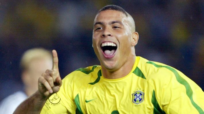Neymar: Chỉ dịch đi 2 cm nữa, là tôi đã phải ngồi xe lăn cả đời - Ảnh 3.