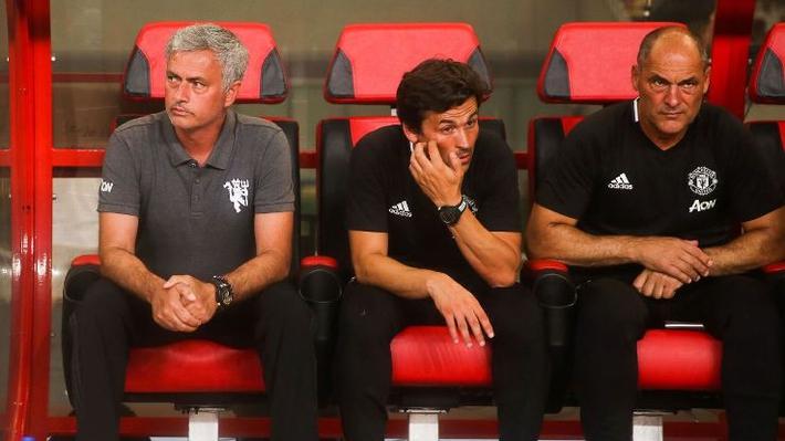 Jose Mourinho đang khiến chính CĐV Quỷ đỏ sợ hãi! - Ảnh 1.