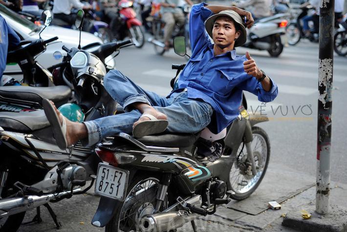 Hà Đức Chinh cạn lời với bộ ảnh chế nghề nghiệp của cầu thủ U23 Việt Nam - Ảnh 4.