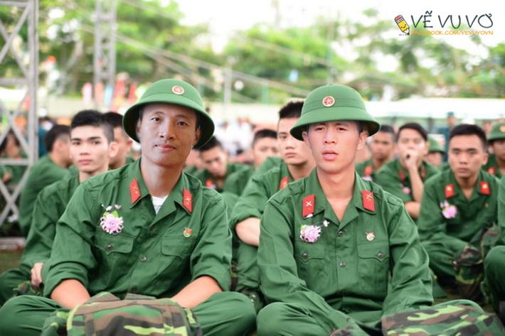 Hà Đức Chinh cạn lời với bộ ảnh chế nghề nghiệp của cầu thủ U23 Việt Nam - Ảnh 5.