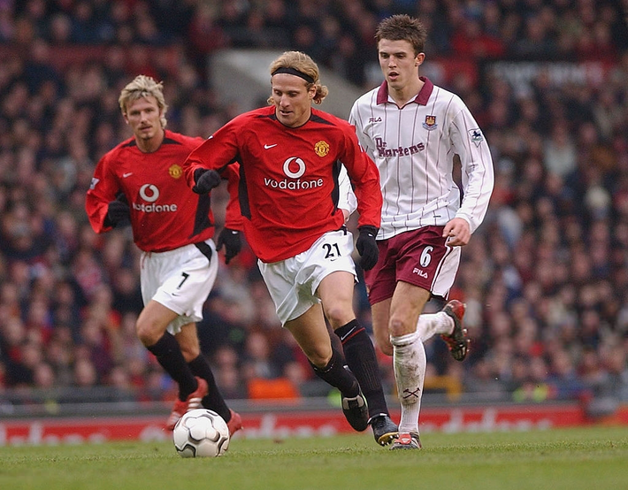 Michael Carrick: Trở thành huyền thoại Quỷ đỏ vì cú bỏ bom trời giáng của Wenger - Ảnh 3.