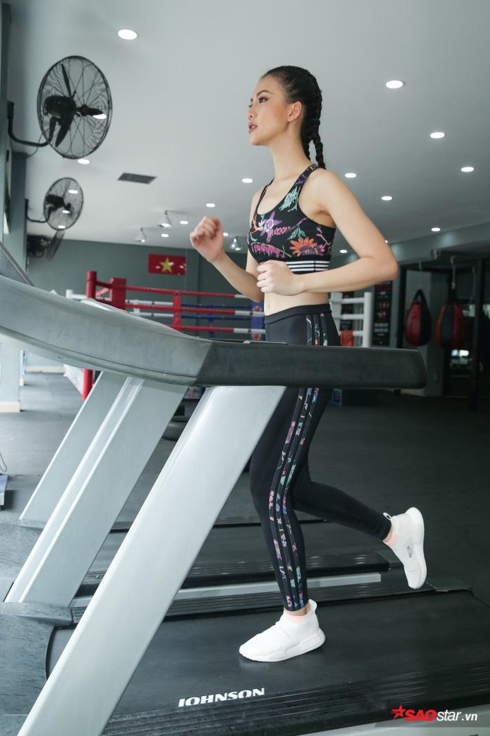 Siêu mẫu Bùi Quỳnh Hoa suýt ngất vì khổ luyện Muay Thái - Ảnh 3.