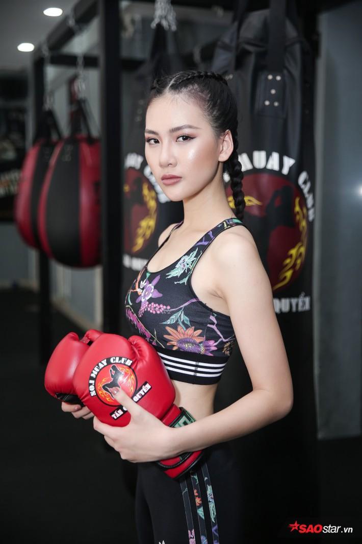 Siêu mẫu Bùi Quỳnh Hoa suýt ngất vì khổ luyện Muay Thái - Ảnh 6.