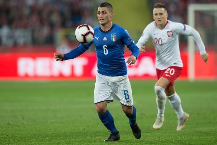 Italia ghi bàn phút bù giờ, tiễn Lewandowski và đồng đội xuống hạng - Ảnh 1.