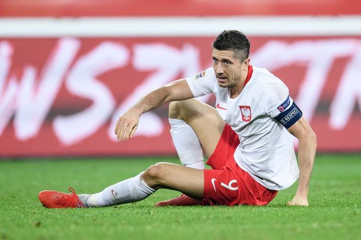Italia ghi bàn phút bù giờ, tiễn Lewandowski và đồng đội xuống hạng - Ảnh 4.