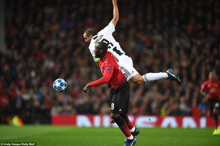 Sau khi tiêu hết 400 triệu euro, Mourinho gây sốc với bản danh sách tuyệt vọng - Ảnh 3.