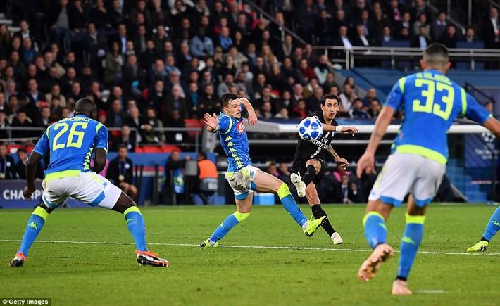 Champions League: Salah bùng cháy dữ dội; PSG chết hụt ngay trên sân nhà - Ảnh 2.