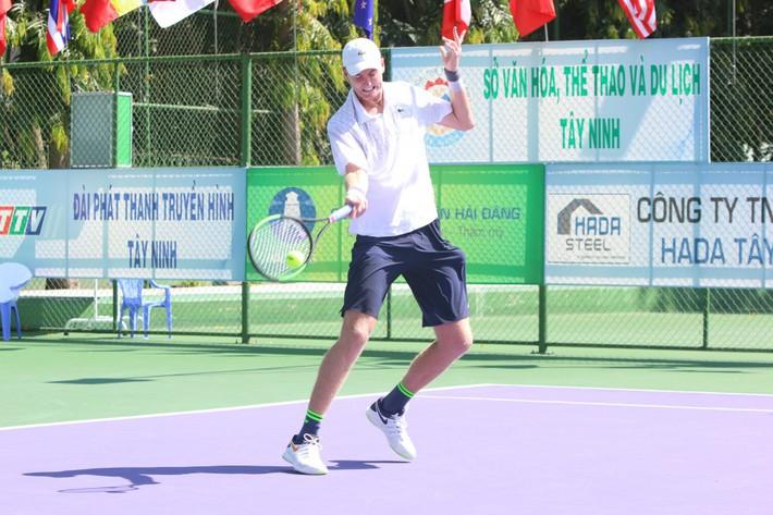 Lý Hoàng Nam xuất sắc thắng tay vợt Mỹ cao hơn 2m - Ảnh 1.