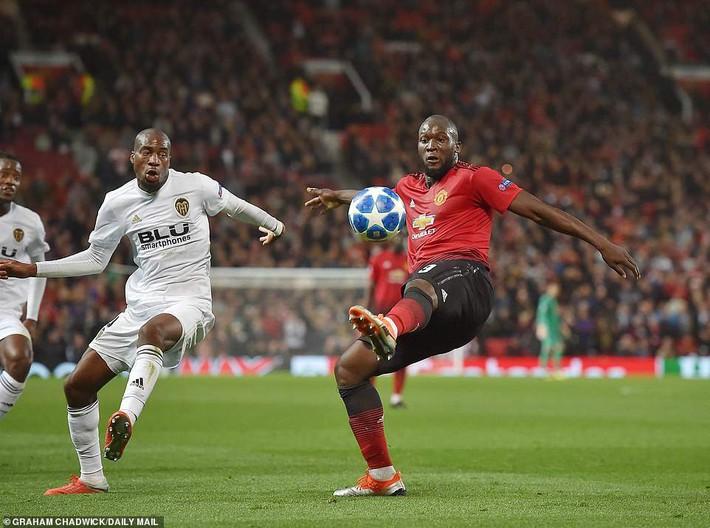 Man United gây thất vọng lớn trước Valencia, Mourinho chỉ còn duy nhất một đường sống - Ảnh 2.
