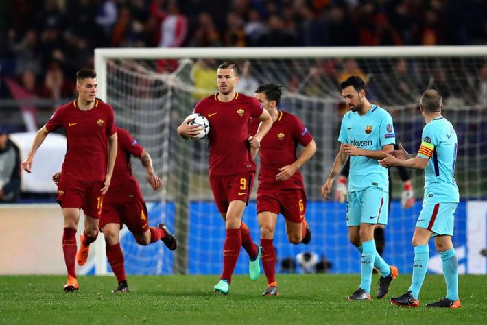 Từ 2 phút cướp chức vô địch của Man United, đến không thể chết trước Barca hùng mạnh - Ảnh 10.