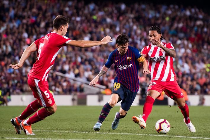 Chủ tịch La Liga cược 10.000 USD, quyết bắt Barcelona phải sang Mỹ đá La Liga - Ảnh 1.