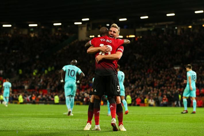 Trong mớ hỗn loạn Man United, vẫn còn lý do để tin Mourinho sẽ vực được Quỷ đỏ dậy - Ảnh 4.