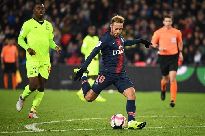 900.000 bảng/tuần tại PSG, Neymar nhận lương cao nhất thế giới  - Ảnh 1.