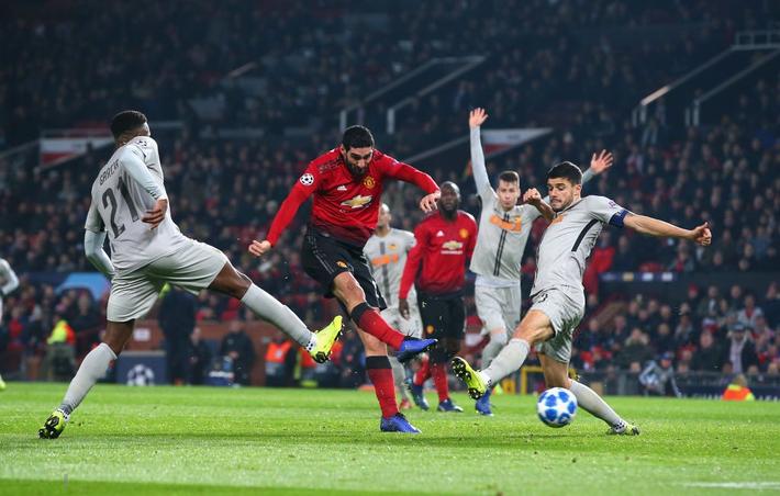 Cứu tinh lên tiếng, Man United vượt qua vòng bảng trong tột cùng sợ hãi - Ảnh 2.