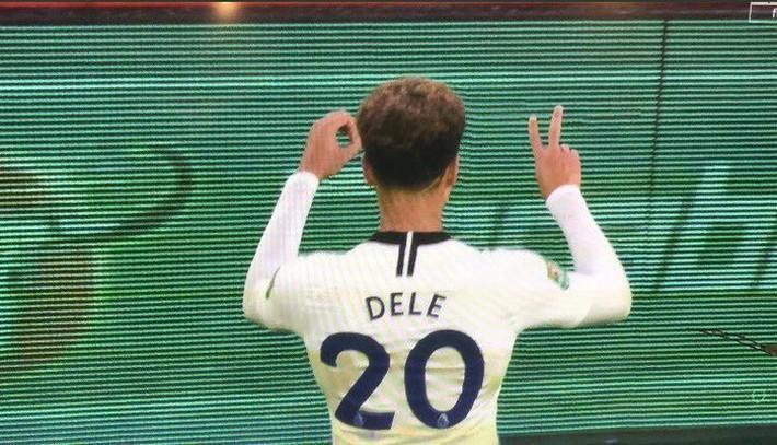 Bị CĐV Arsenal ném chai nước vào đầu, đồng đội của Son Heung-min đáp trả cực mạnh - Ảnh 4.