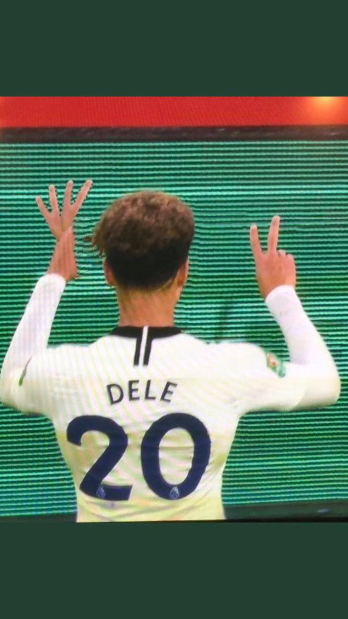 Bị CĐV Arsenal ném chai nước vào đầu, đồng đội của Son Heung-min đáp trả cực mạnh - Ảnh 5.